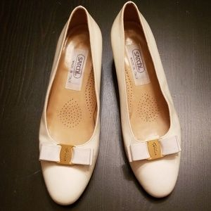 Vintage Satchi Made In Italy Patent Pumps size 36